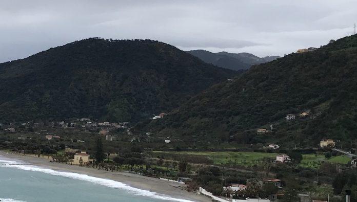Messina: sigilli a quattro ville abusive sulla costa di Capo d'Orlando