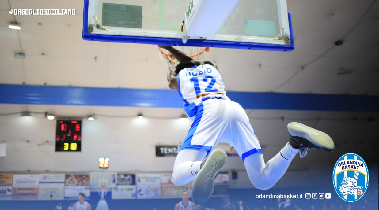 Coronavirus, il basket si ferma: rinviata Armani Milano-Virtus Roma